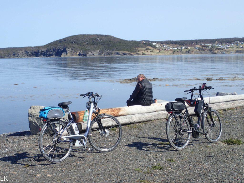 Kafffeepause am Hafen con Rocky Harbour