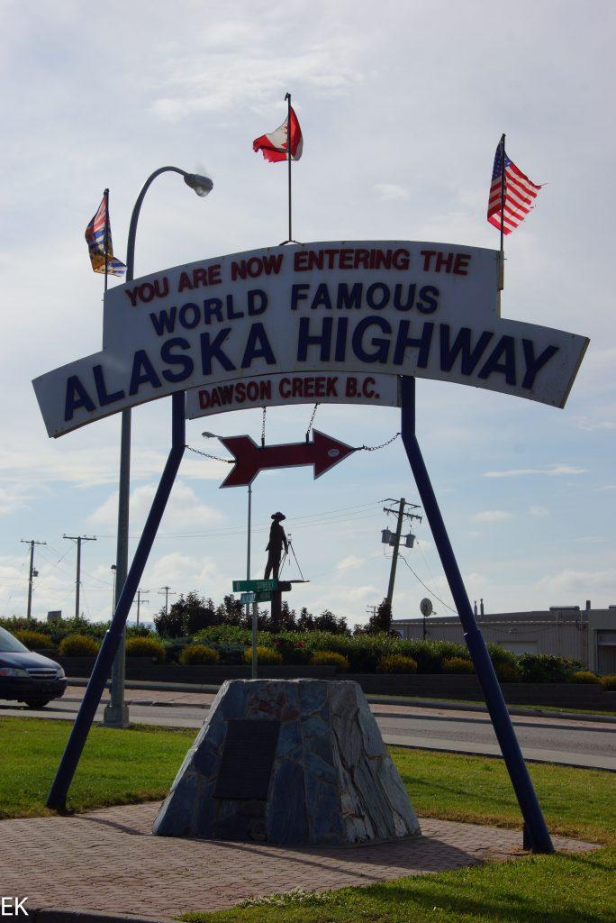 hier fängt der Alaska Highway an.. auch Alcan genannt