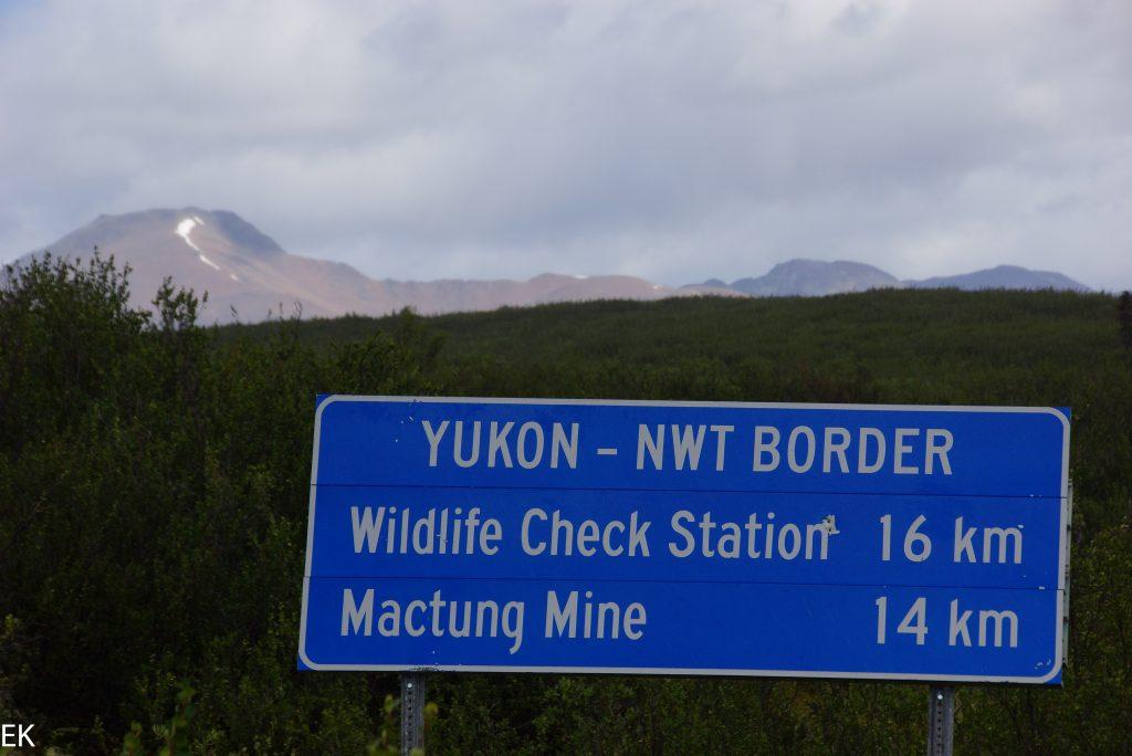 Die Grenze Yukon/NWT