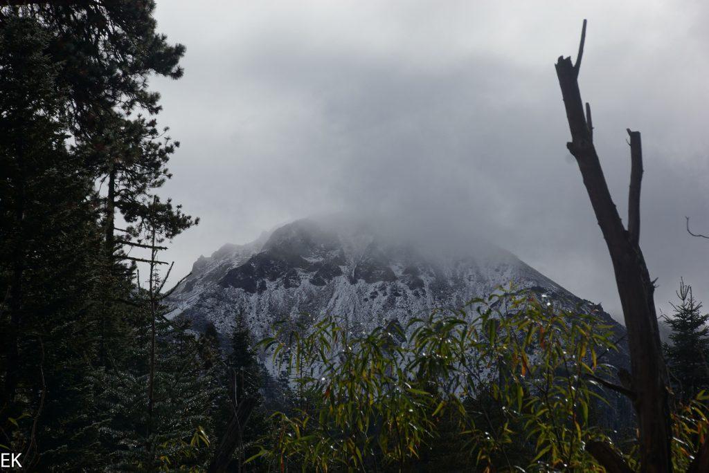 Schnee auf den Chaos Crags
