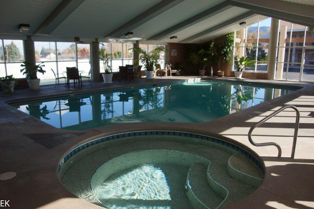 Nur für uns: Schwimmbad und Whirlpool zum Relaxen